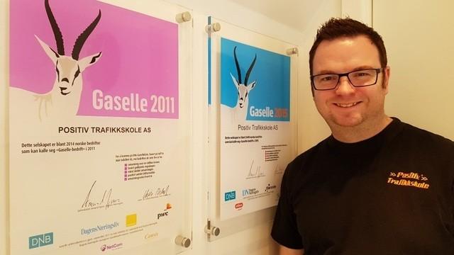 Sagen-Hafstad, som opprinnelig er utdannet rørlegger, trivdes ikke helt i jobben. Han fant derfor ut at han skulle søke seg inn på Statens Trafikklærerskole, og begynte studiet året 2001-2002.
